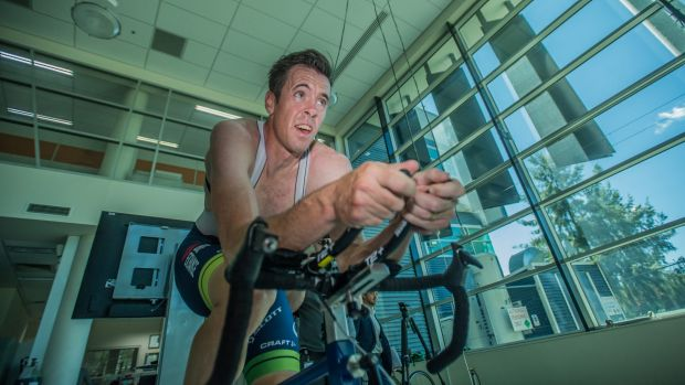 Canberra cyclist Mathew Hayman to ride into 40s after re-signing with Orica-Scott