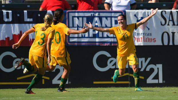 Canberra United unlikely to keep Matildas star Lisa De Vanna for W-League season